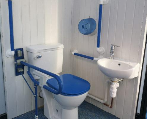 Royal Park School Pool Enclosure accessible toilets by Swimex
